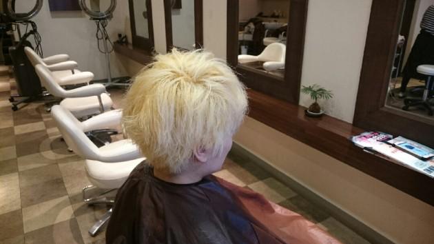 ブリーチのメンズヘア画像