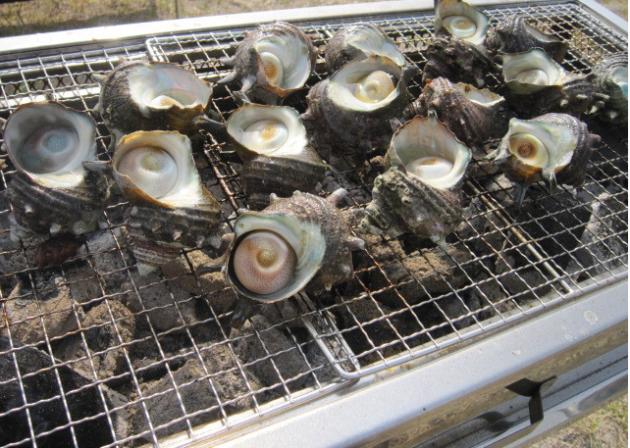 庄司鮮魚店サザエのツボ焼き画像