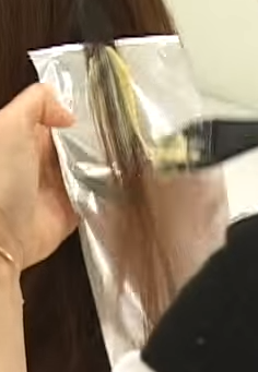 ハイライトの毛束の取り方画像