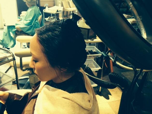 髪の内部まで浸透するハホニコトーリトメント画像