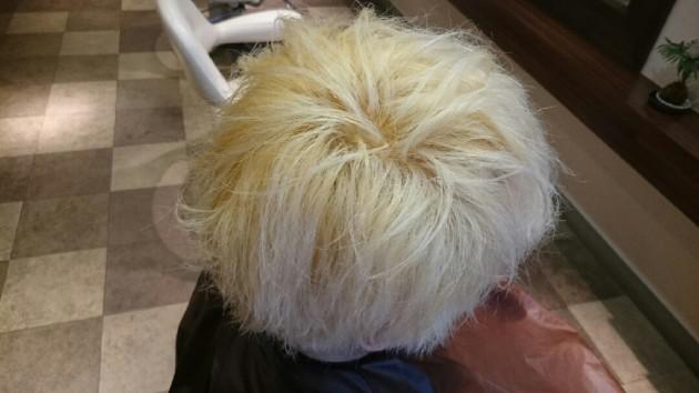髪診断を行い施術画像