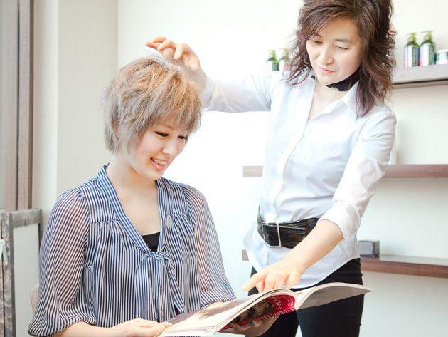 親切な美容師さん画像